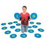 29 rutschfeste Buchstabenmatten von A–Z