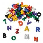 Bunte Fädelbuchstaben