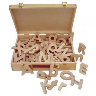Holzbuchstaben - 53 Teile im Holzkofer, magnet-/nichtmagnethaftend