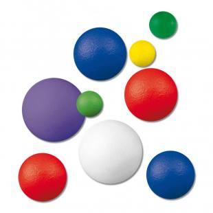 Softbälle, in verschiedenen Größen und Farben