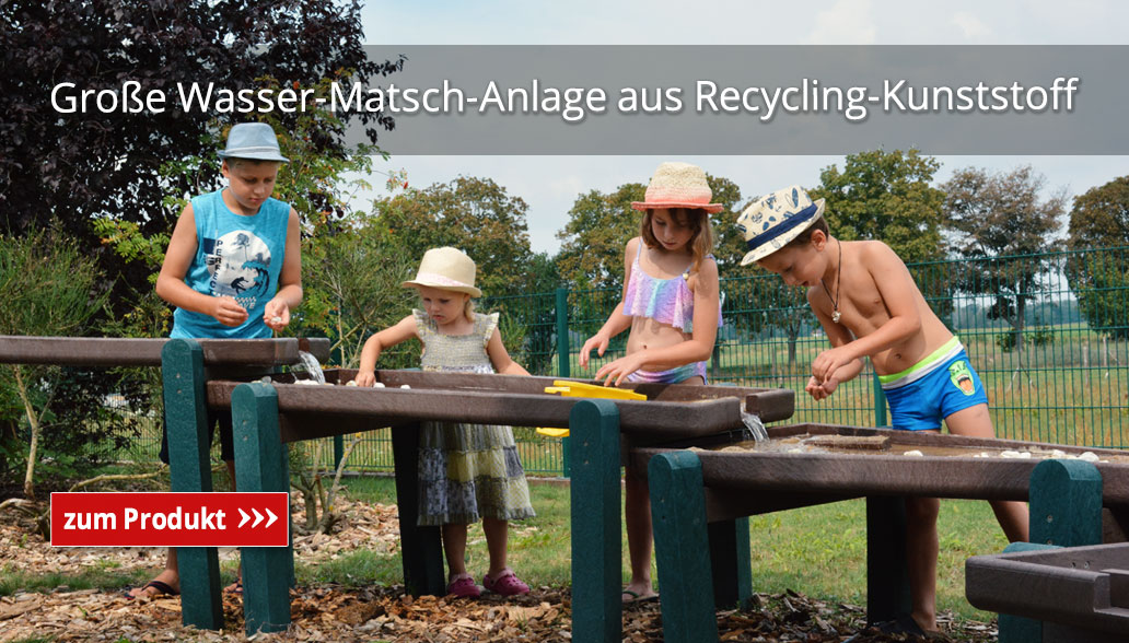 Große Wasser-Matsch-Anlage aus Recycling-Kunststoff