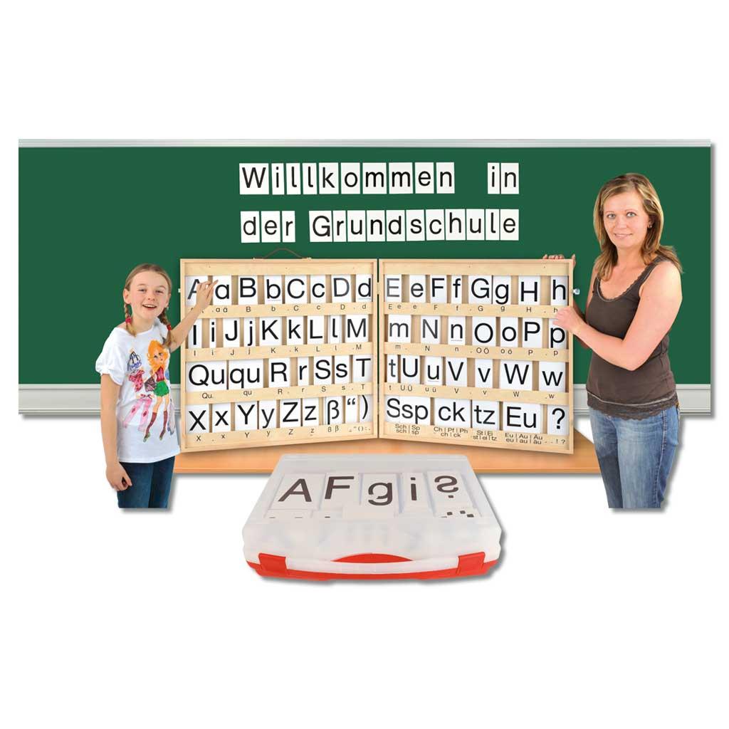Magnetische Buchstaben im Koffer